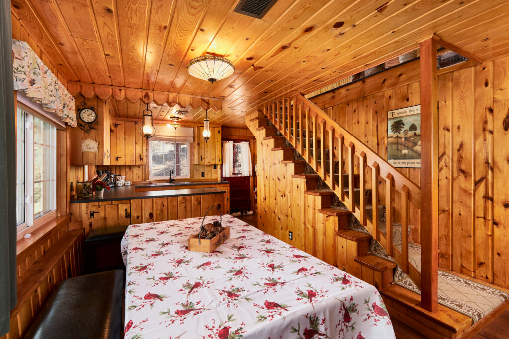 Cascade Family Cabin - Out West Vacation Rentals